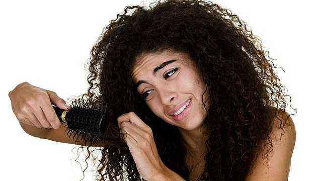 Doğal kıvırcık saçlara saç bakımı nasıl olmalıdır
