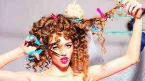 Kıvırcık Saçlı Bayanlar için Çeşitli Püf Noktaları 1