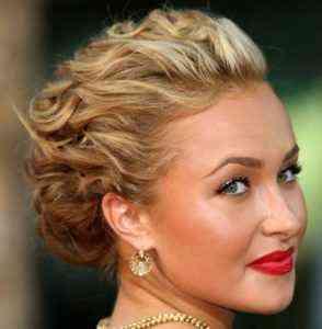 Kıvırcık kısa saçlar için pratik saç modelleri