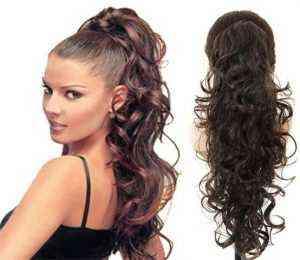 Kumral kıvırcık saçlar için saç modelleri