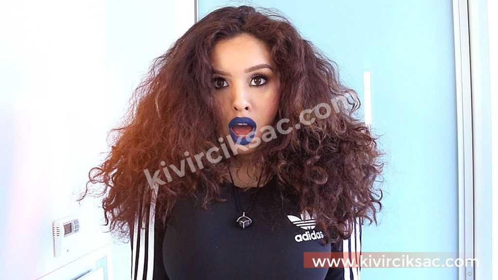 Kıvırcık Saçlı Bayanlara Yumuşacık Saçlar İçin Öneriler